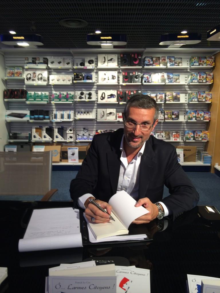 Franck Le Coz en dédicace à l'Espace Culturel du Leclerc d'Etampes
